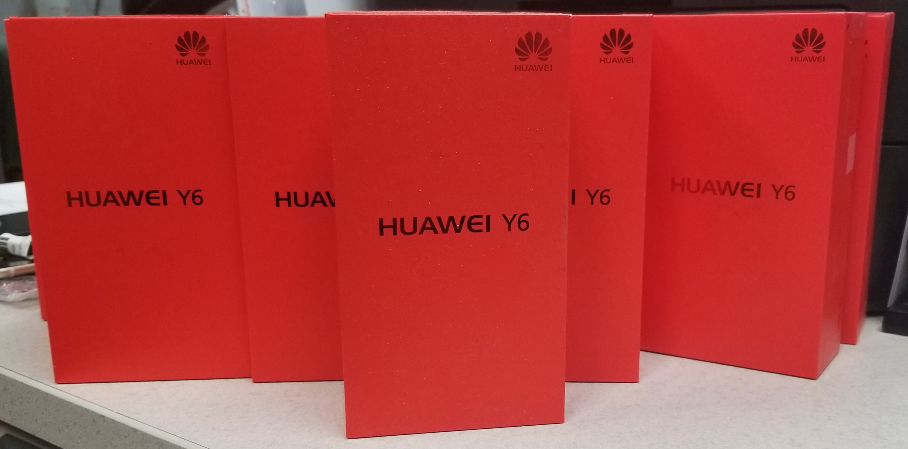 HUAWEI Y6 2015 - NEW - UNLOCKED -$53